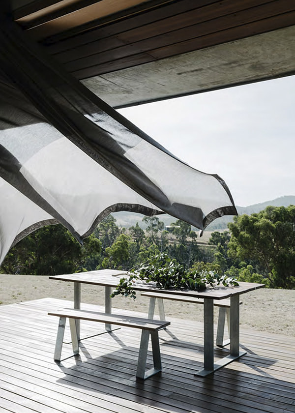 https://fionalynch.com.au/wp-content/uploads/2020/07/Finnon-GLen-House-WEB.jpg